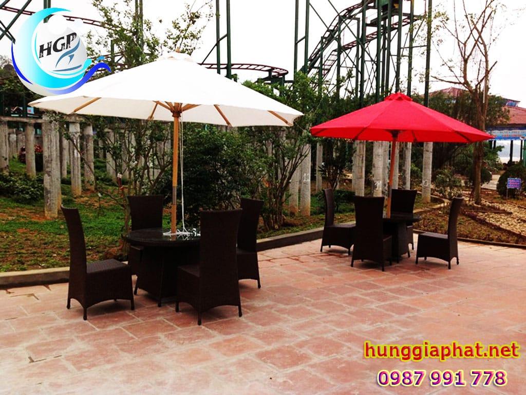 Dù Che Quán Cafe, Dù Đứng Tâm Gỗ